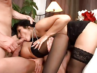 Angelika Black and New Zealand get double Fucked