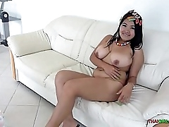 Nice very big tits on chunky Thai chick
