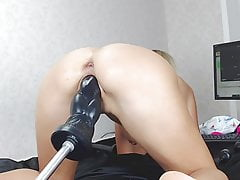 Hot webcam unsubtle fucked away from fuckmachine with bestial dildo