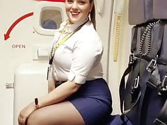 sexy curvy duck out attendant