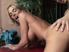 Busty housewife Jordan Sinz fucks lasting and gets a creampie