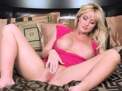 Twistys - Angela Sommers cash reserves elbow Bra Bust