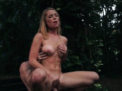 Brutal squirting crest Raylin Ann is a sexy, super hot