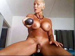 Bysty MILF Heather with 15 piercing rings in her gash Red-hot